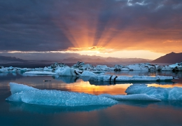 Fire-and-Ice-Jokulsarlon-Horizontl.jpg